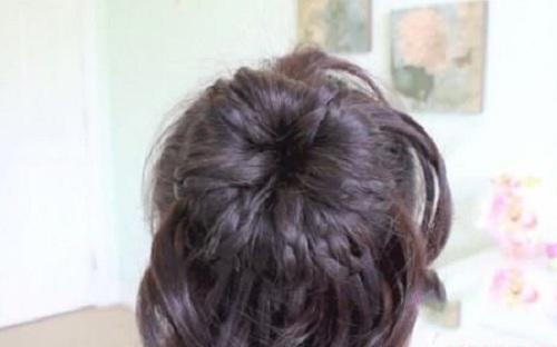 Những kiểu búi tóc mới lạ cho chị em đêm Valentine - Ảnh 10