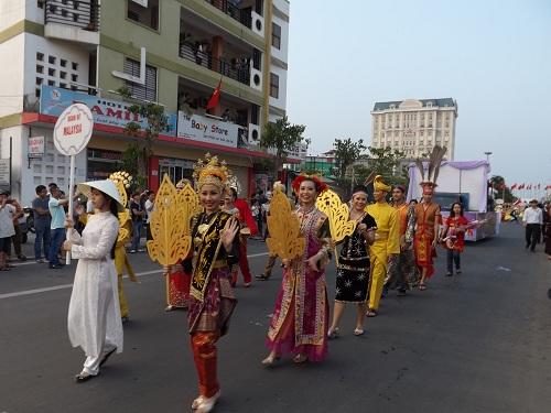 Festival Huế 2014: Văn hóa năm châu hội tụ về miền đất Cố đô - Ảnh 4