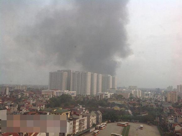 Cháy lớn tại nhà máy Diana gần trung tâm Times City - Ảnh 2