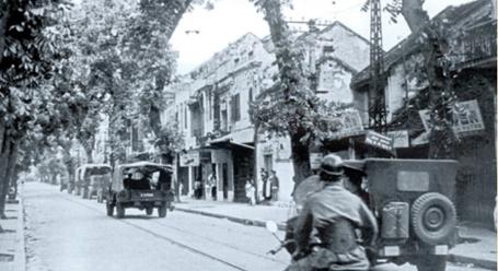 Kỉ niệm 59 năm ngày Giải phóng Thủ đô: Hà Nội xưa và nay - Ảnh 1