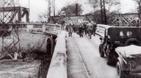 Kỉ niệm 59 năm ngày Giải phóng Thủ đô: Hà Nội xưa và nay - Ảnh 3