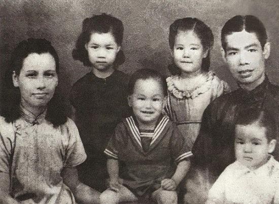 """Những hình ảnh hiếm có về """"vua Kungfu"""" Lý Tiểu Long - Ảnh 1"""