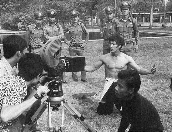 """Những hình ảnh hiếm có về """"vua Kungfu"""" Lý Tiểu Long - Ảnh 16"""
