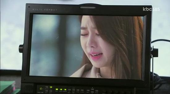 """Clip: """"Dại gái"""" như Kim Soo Hyun - Ảnh 6"""