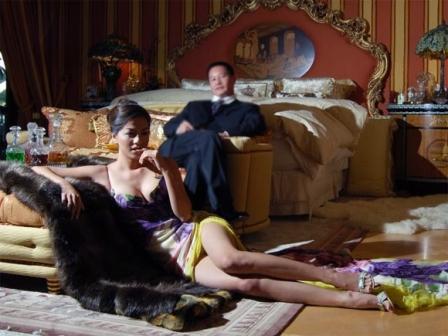 Mẹ siêu mẫu Ngọc Thúy bất ngờ bảo vệ con rể đòi tài sản ly hôn - Ảnh 2