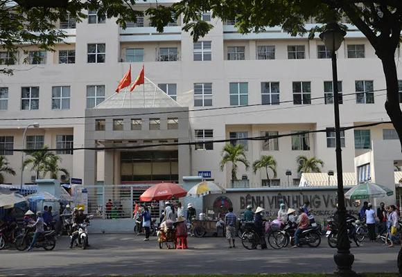 Vừa tìm thấy bé sơ sinh bị bắt cóc ở bệnh viện Hùng Vương - Ảnh 2