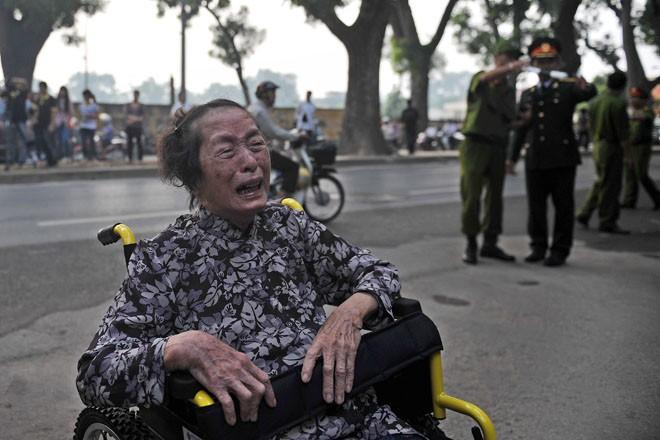 Lễ viếng Đại tướng Võ Nguyễn Giáp kéo dài hết đêm - Ảnh 6