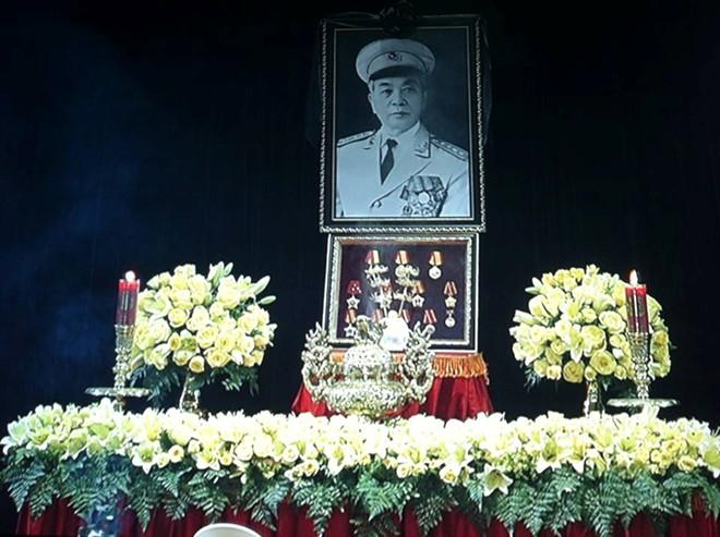 Lễ viếng Đại tướng Võ Nguyễn Giáp kéo dài hết đêm - Ảnh 4