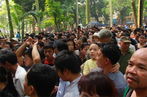 Lễ viếng Đại tướng Võ Nguyễn Giáp kéo dài hết đêm - Ảnh 9