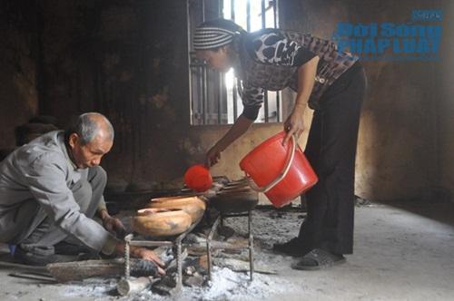 Chùm ảnh: Cá kho làng Vũ Đại vào tết - Ảnh 11