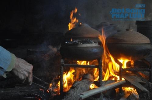 Chùm ảnh: Cá kho làng Vũ Đại vào tết - Ảnh 12