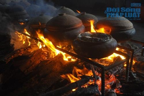 Chùm ảnh: Cá kho làng Vũ Đại vào tết - Ảnh 13