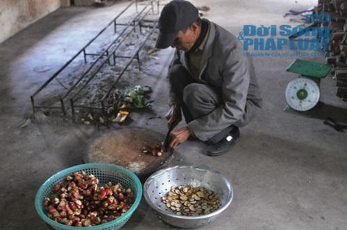 Chùm ảnh: Cá kho làng Vũ Đại vào tết - Ảnh 7