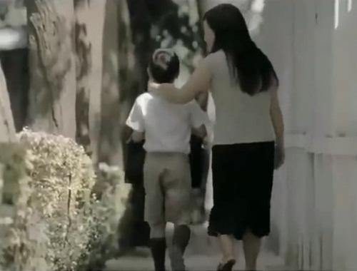 Ngày Quốc tế Hạnh phúc xem clip cảm động về tình mẹ con - Ảnh 5