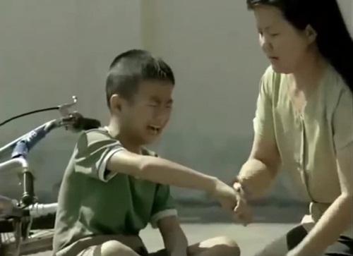Ngày Quốc tế Hạnh phúc xem clip cảm động về tình mẹ con - Ảnh 3