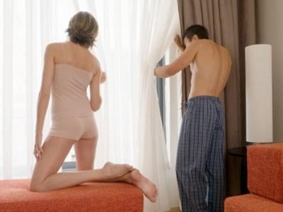 Theo dấu người đàn bà hư hỏng bỏ mặc chồng đi với... nhân tình - Ảnh 1