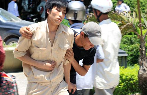 Thanh Hóa: Gần 500 công nhân bị ngộ độc nhập viện - Ảnh 2