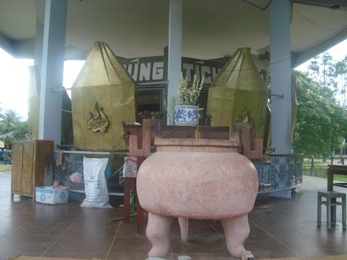 Rợn người nhà mồ nạn nhân Pôn Pốt ở An Giang - Ảnh 3
