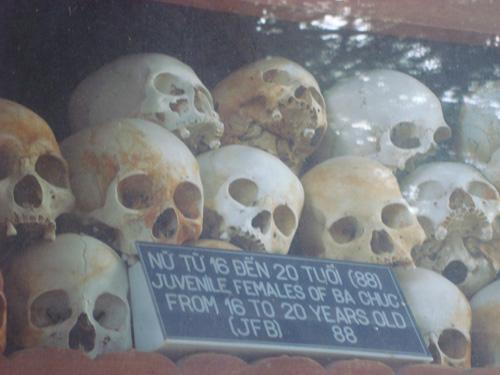 Rợn người nhà mồ nạn nhân Pôn Pốt ở An Giang - Ảnh 5