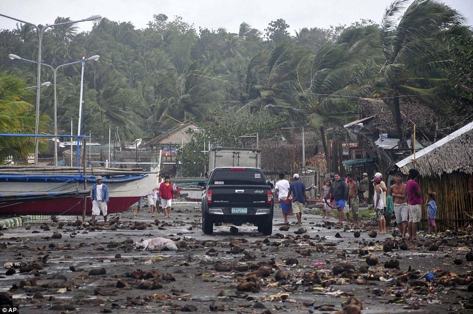 Xót xa Philippines sau siêu bão - Ảnh 7