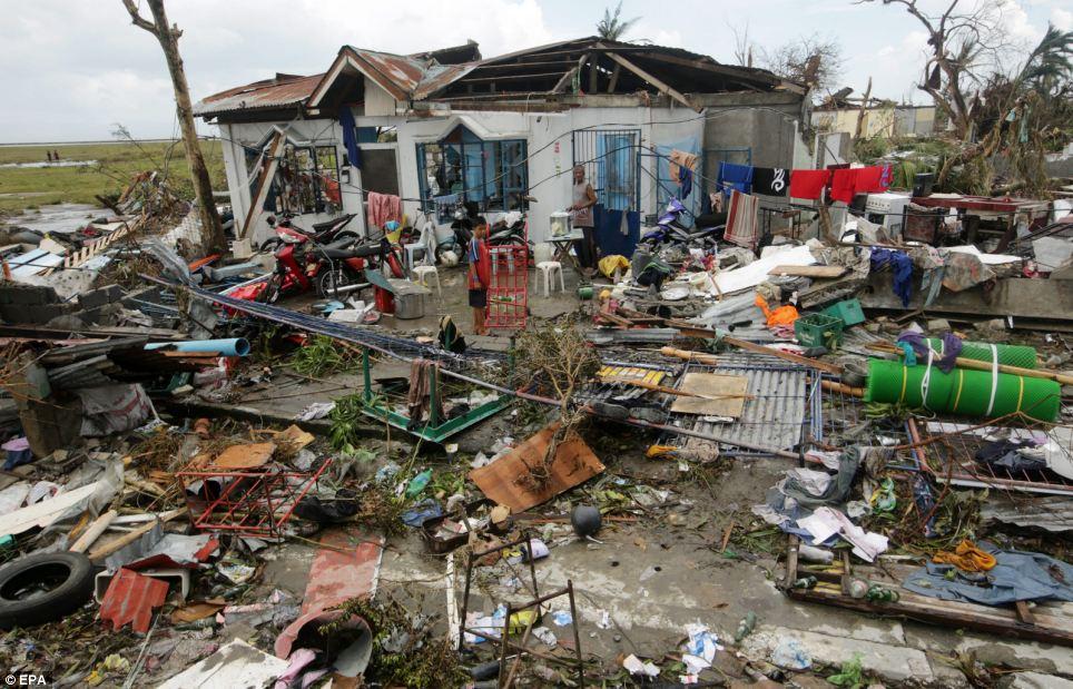 Xót xa Philippines sau siêu bão - Ảnh 3