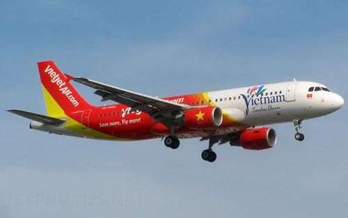 """Rada sân bay Tân Sơn Nhất """"tê liệt"""", máy bay Hà Nội phải quay đầu - Ảnh 1"""