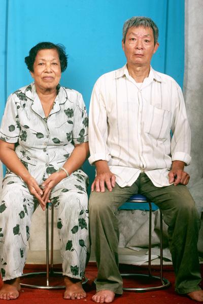 Cám cảnh vợ chồng già ung thư gan gượng nuôi con gái ung thư  - Ảnh 1