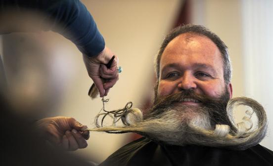 Những bộ râu kỳ dị nhất thế giới - Ảnh 13