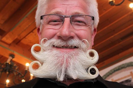 Những bộ râu kỳ dị nhất thế giới - Ảnh 4