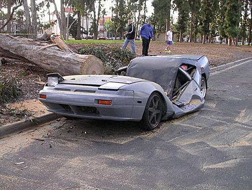 Những tai nạn hy hữu  bất ngờ trên đường - Ảnh 7