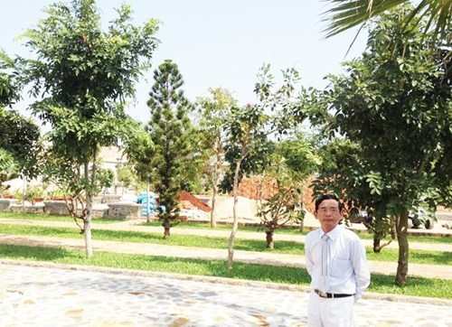 Đại gia Lê Ân xây biệt thự, trồng cây ăn trái sạch cho vợ trẻ - Ảnh 4