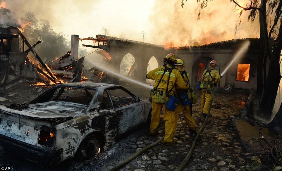 Mỹ: Tai họa cháy rừng vì đốt lửa trại - Ảnh 2