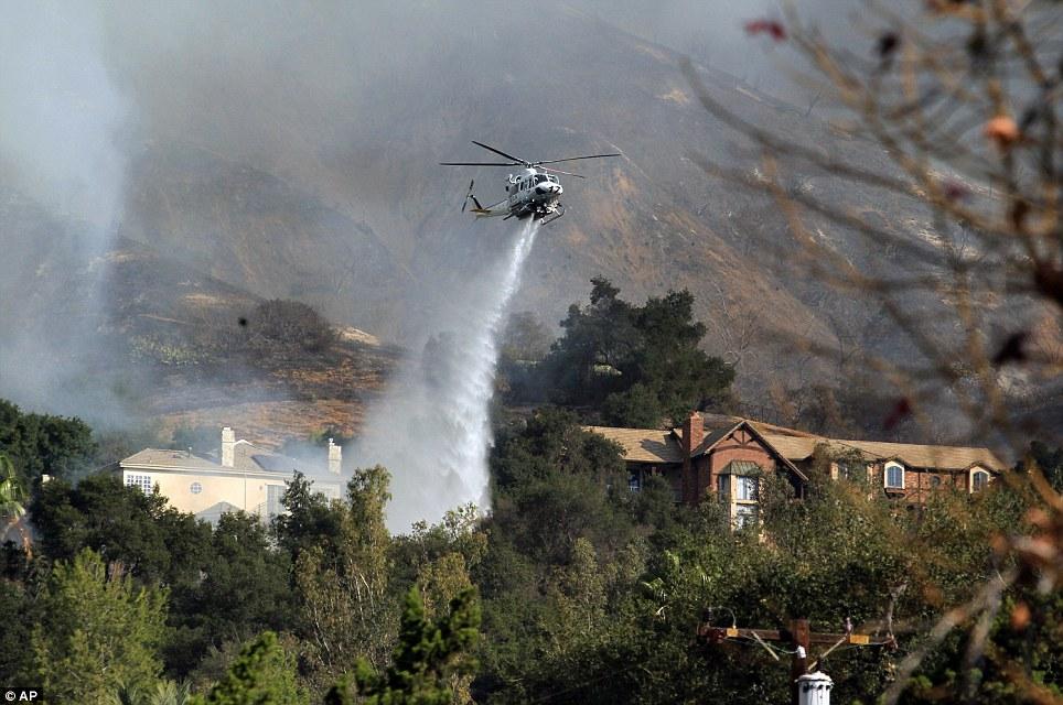Mỹ: Tai họa cháy rừng vì đốt lửa trại - Ảnh 3