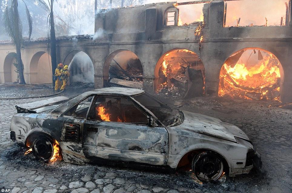 Mỹ: Tai họa cháy rừng vì đốt lửa trại - Ảnh 6