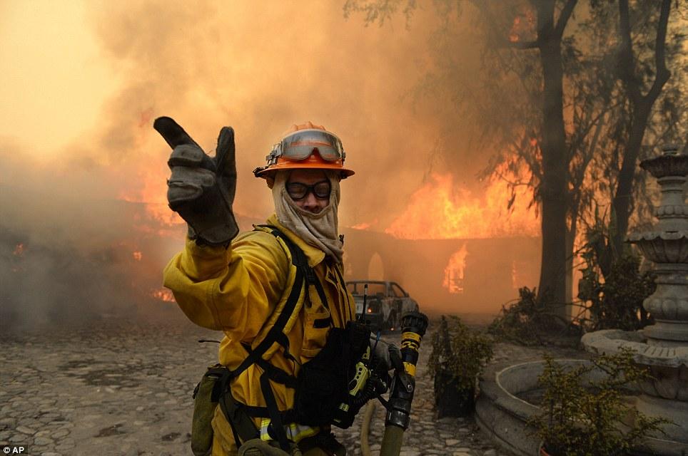 Mỹ: Tai họa cháy rừng vì đốt lửa trại - Ảnh 7