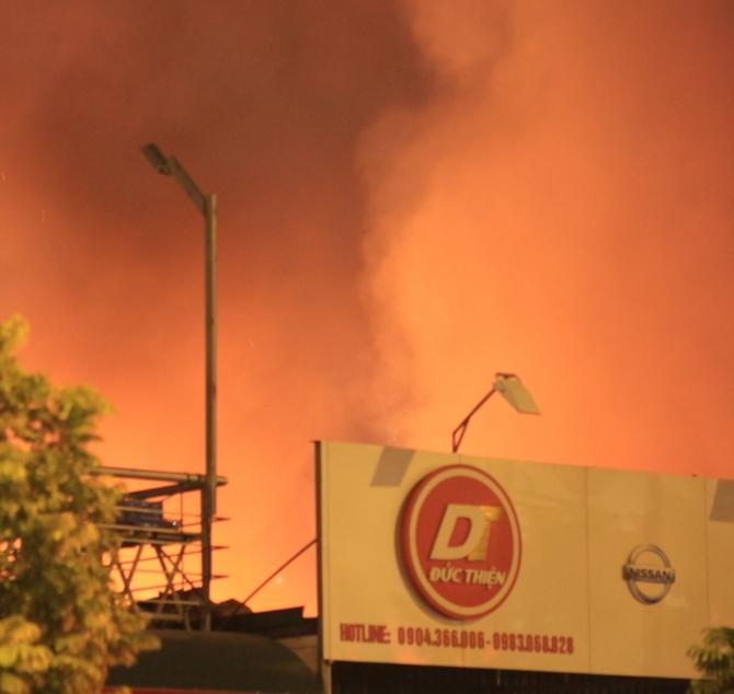 Vụ cháy gần Keangnam: Ông chủ bỗng dưng trở thành...con nợ - Ảnh 1