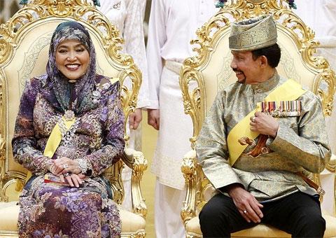 Limousine dát vàng 298 tỷ đồng của quốc vương Brunei - Ảnh 4