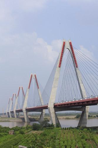 Cầu dây văng dài nhất Việt Nam trước ngày thông xe - Ảnh 2