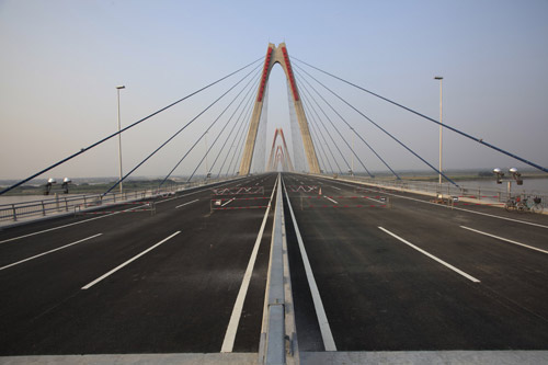 Cầu dây văng dài nhất Việt Nam trước ngày thông xe - Ảnh 3