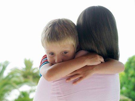 10 câu hỏi tối kỵ với cha mẹ có con tự kỷ - Ảnh 1