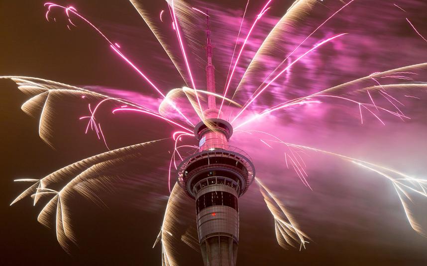 Pháo hoa bung nở khắp thế giới chào đón năm mới 2015 - Ảnh 3