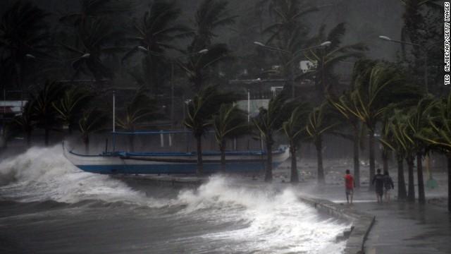 Chùm ảnh bão Hagupit đổ bộ vào Philippines - Ảnh 2