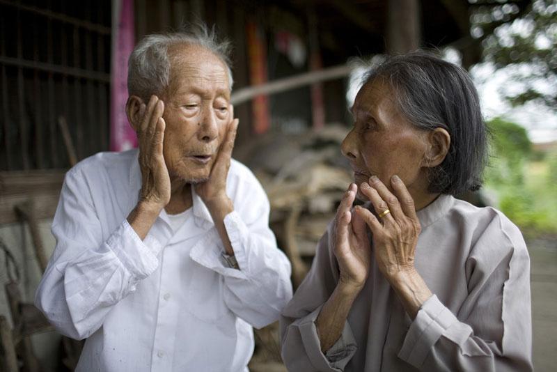 Valentine của các cặp vợ chồng tuổi xế chiều - Ảnh 1