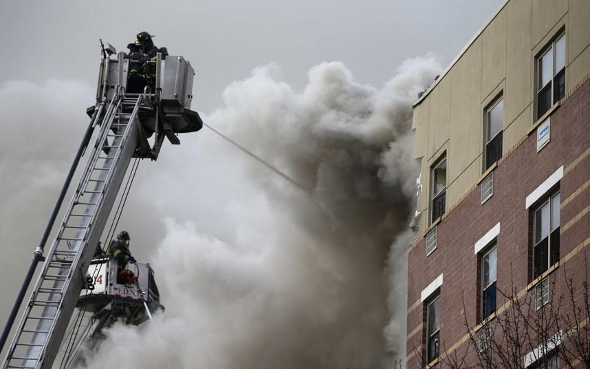 Hiện trường vụ nổ sập nhà ở New York - Ảnh 3