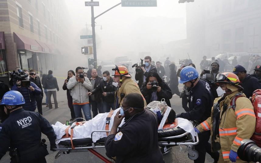 Hiện trường vụ nổ sập nhà ở New York - Ảnh 7