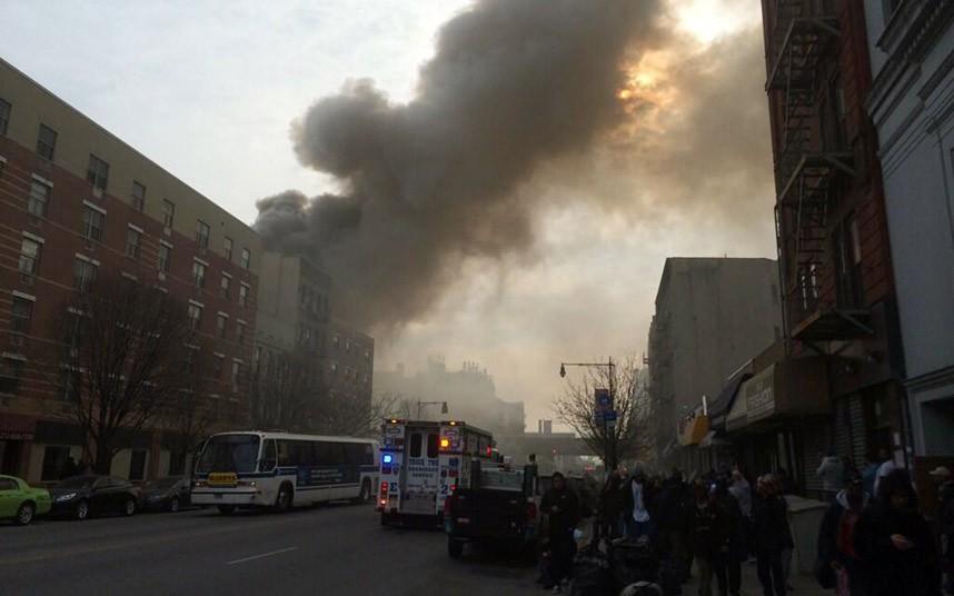 Hiện trường vụ nổ sập nhà ở New York - Ảnh 9
