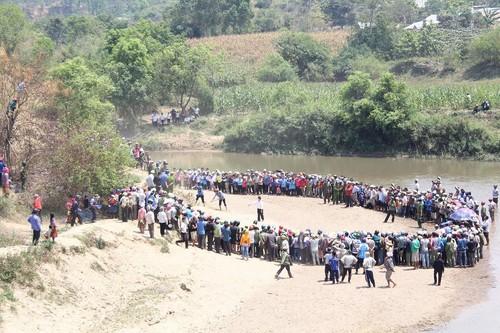 Phát hiện thi thể 5 học sinh bị vùi dưới hố cát ở Đắk Lắk - Ảnh 1