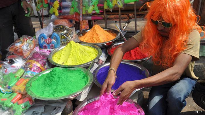 Lễ hội Holi đầy màu sắc ở Ấn Độ - Ảnh 9