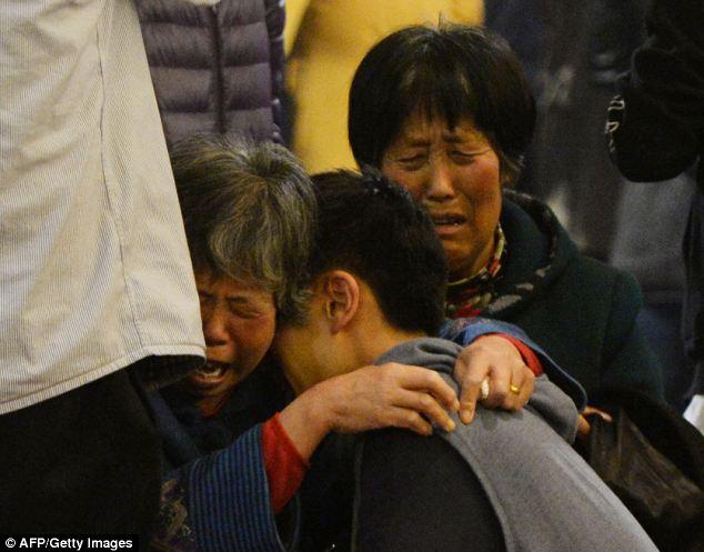 Đau đớn, thân quyến của nạn nhân trên chuyến bay MH370  - Ảnh 3