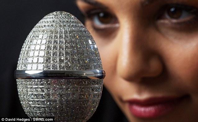 Chiêm ngưỡng trứng Phục sinh đính 1.000 viên kim cương - Ảnh 1